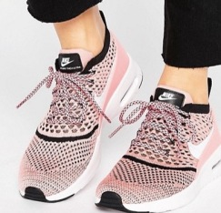 http://www.asos.fr/nike/nike-air-max-thea-ultra-flyknit-baskets-rose/prd/7139719?iid=7139719&clr=Rose&SearchQuery=nike&pgesize=16&pge=0&totalstyles=16&gridsize=3&gridrow=5&gridcolumn=1